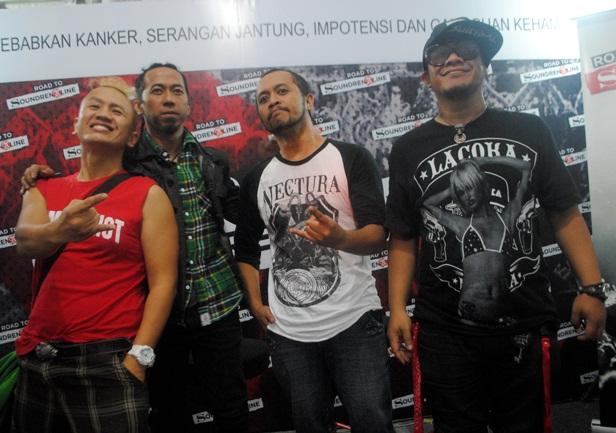 Personil-PAS-Band-di-Soundrenaline-2012-Foto-Jefrilicom